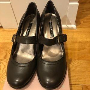 Bandolino Mary Jane heel shoes